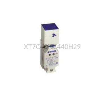 Czujnik pojemnościowy Schneider Electric 15 mm 12...48 VDC prostopadłościan NPN XT7C40NC440H29