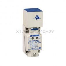 Czujnik pojemnościowy Schneider Electric 15 mm 12...48 VDC prostopadłościan PNP XT7C40PC440H29